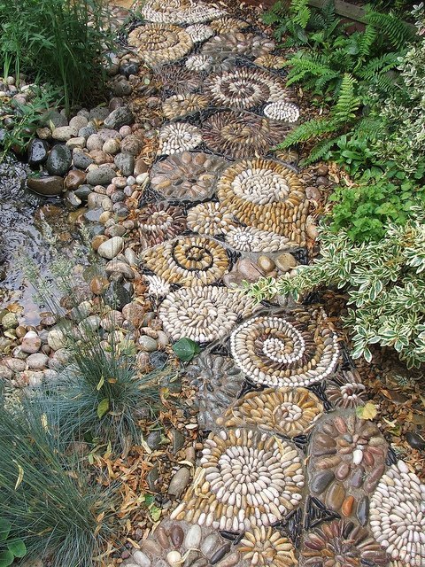 amazing-pebble-garden-paths-8