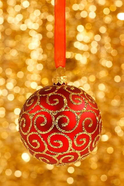 amazing-red-and-gold-christmas-decor-ideas-7