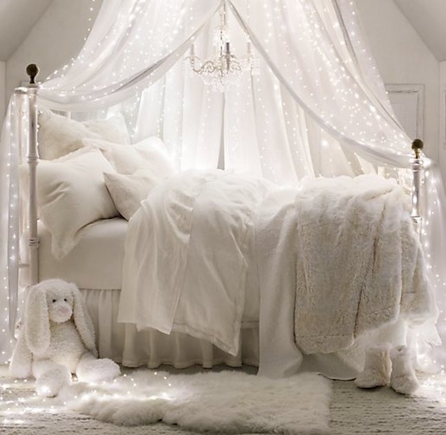 how-to-use-string-lights-for-your-bedroom-ideas-4