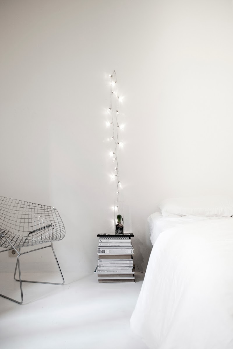 how-to-use-string-lights-for-your-bedroom-ideas-6