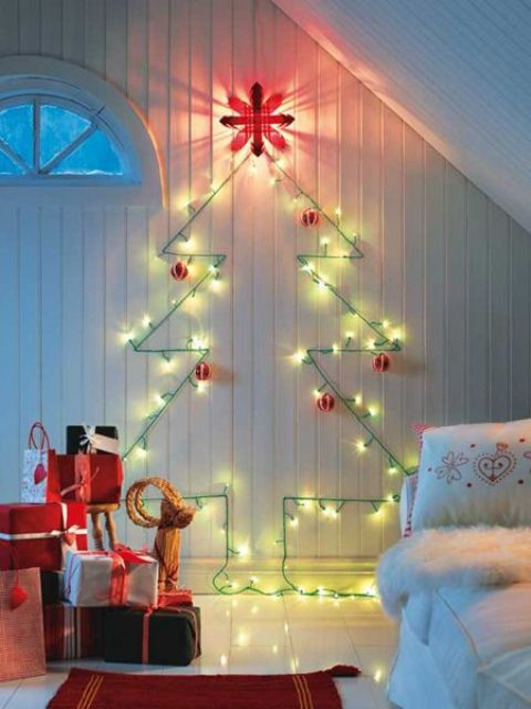 space-saving-christmas-trees-for-small-spaces-12