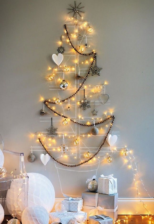 space-saving-christmas-trees-for-small-spaces-34