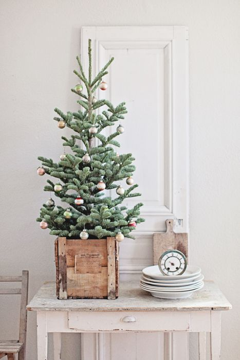 space-saving-christmas-trees-for-small-spaces-4