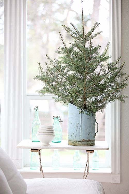 space-saving-christmas-trees-for-small-spaces-41