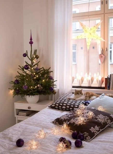 space-saving-christmas-trees-for-small-spaces-42