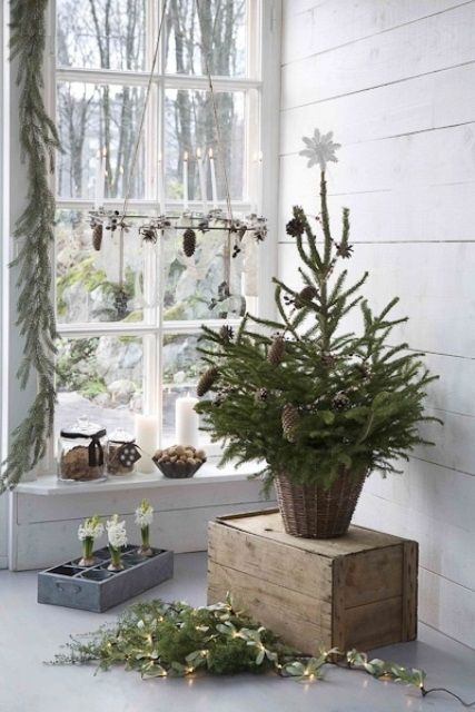 space-saving-christmas-trees-for-small-spaces-7