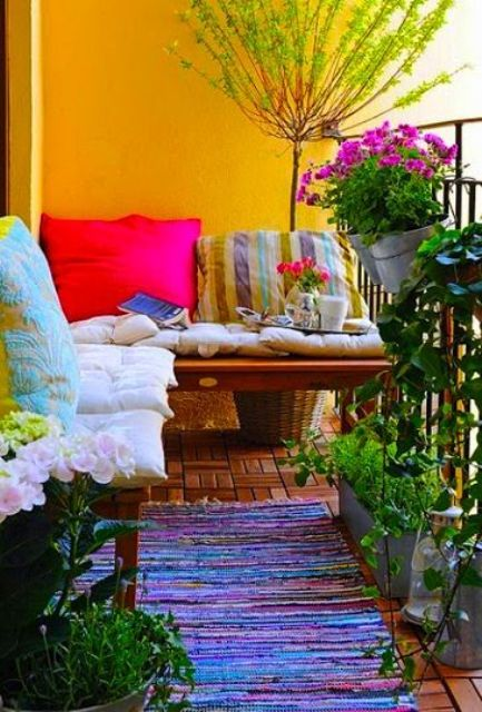creative-yet-simple-summer-balcony-ideas-to-try-13