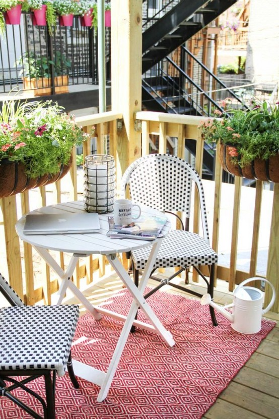 creative-yet-simple-summer-balcony-ideas-to-try-15-554x831