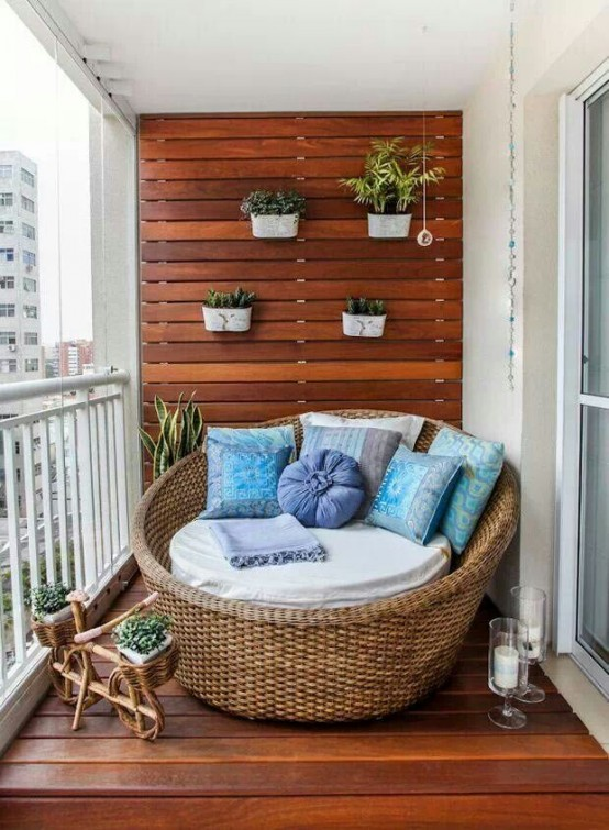 creative-yet-simple-summer-balcony-ideas-to-try-18-554x755