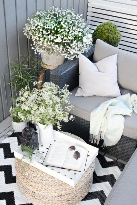 creative-yet-simple-summer-balcony-ideas-to-try-2-554x830