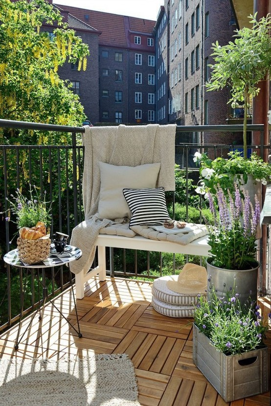 creative-yet-simple-summer-balcony-ideas-to-try-25-554x830