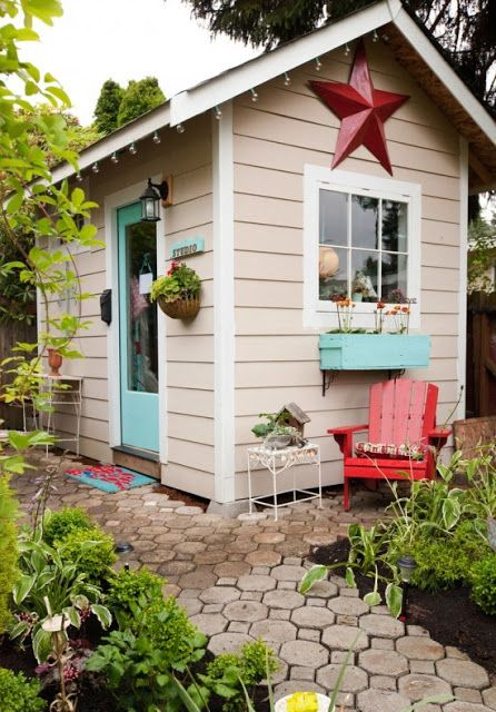 awesome-outdoor-kids-playhouses-to-build-this-summer-13