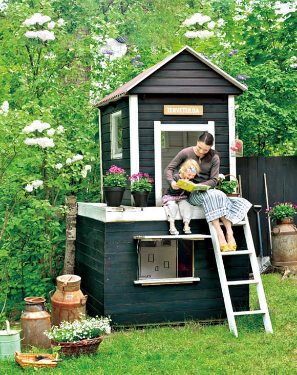 awesome-outdoor-kids-playhouses-to-build-this-summer-16