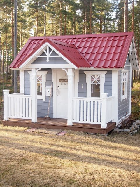awesome-outdoor-kids-playhouses-to-build-this-summer-24