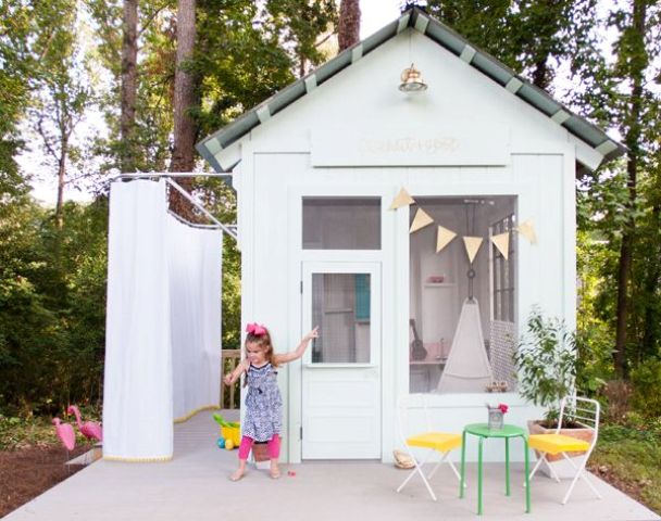 awesome-outdoor-kids-playhouses-to-build-this-summer-33