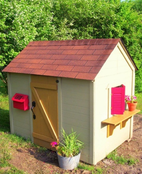 awesome-outdoor-kids-playhouses-to-build-this-summer-37