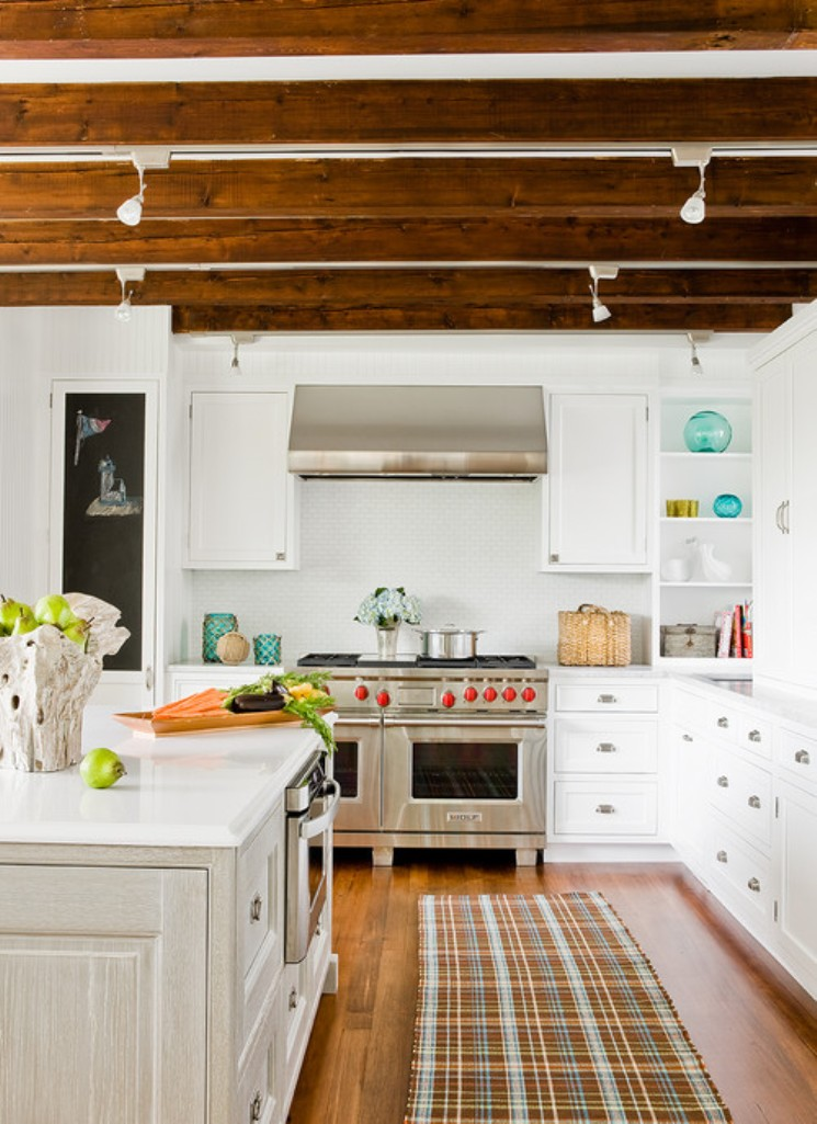 easy-tips-for-creating-a-farmhouse-kitchen-4