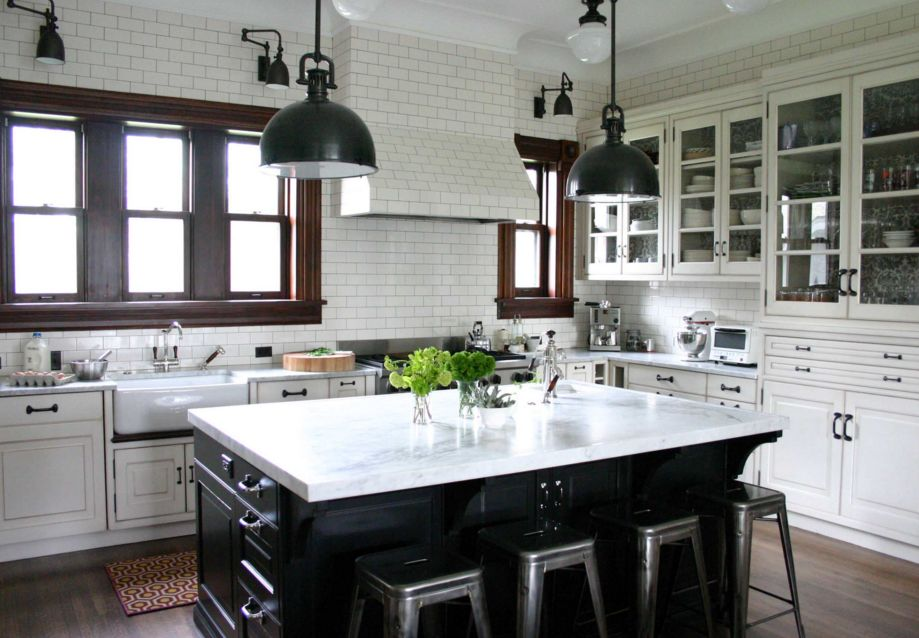 easy-tips-for-creating-a-farmhouse-kitchen-5