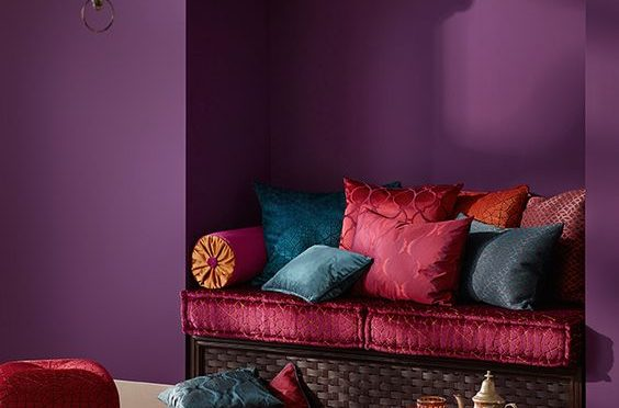 13-a-nook-decorated-in-dark-purple-hot-red-and-pink-colors