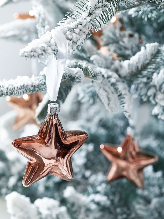 09-copper-star-ornaments-are-a-cool-idea-for-holidays