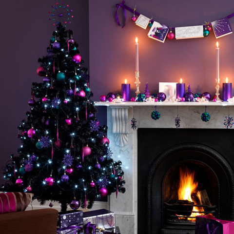 09-super-bold-decorations-in-purple-fuchsia-and-teal-for-colorful-and-cheerful-Christmas