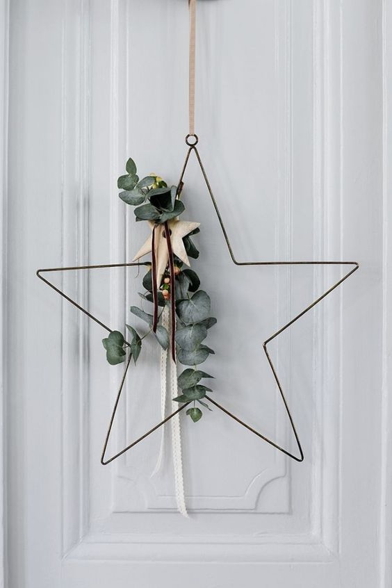 05-star-shaped-wreath-with-eucalyptus-is-a-cool-and-contemporary-idea