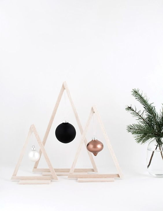 25-mini-wood-frame-Christmas-trees-with-different-ornaments-hanging
