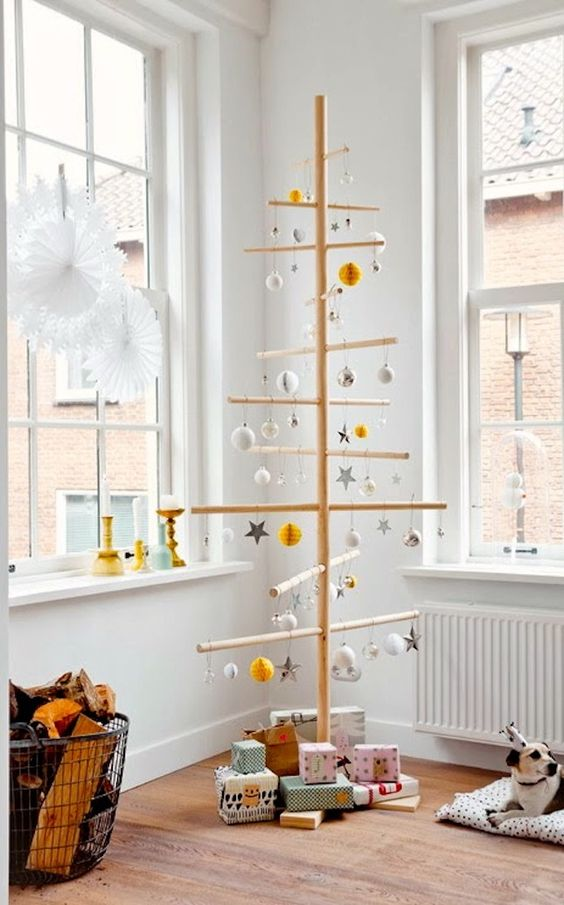 26-wooden-stick-tree-with-various-ornaments-looks-unique