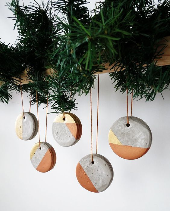 39-geometric-concrete-Christmas-ornaments-on-a-wooden-beam