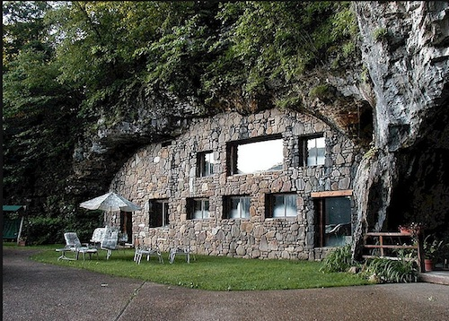 The Beckham Creek Cave Home