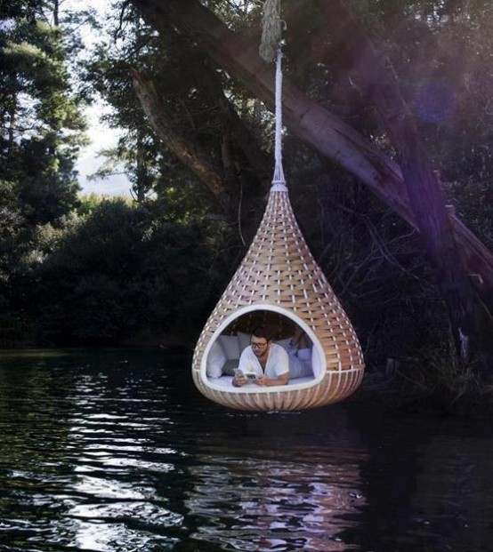 awesome-outdoor-hanging-chairs-1-554x621
