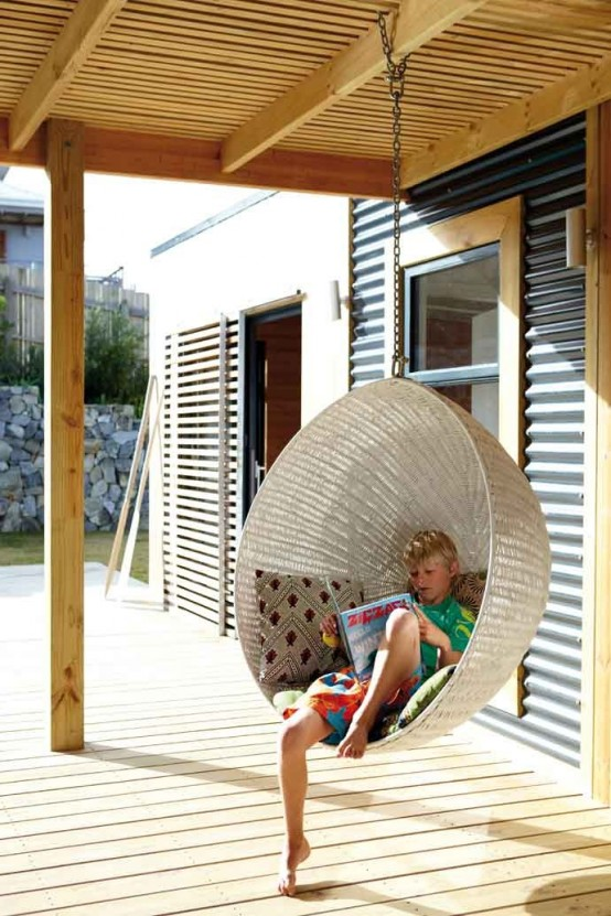 awesome-outdoor-hanging-chairs-16-554x831