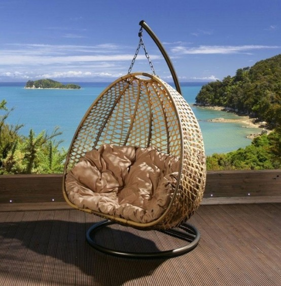 awesome-outdoor-hanging-chairs-25-554x564