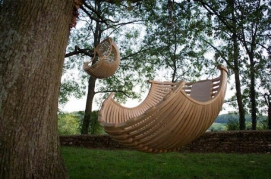 awesome-outdoor-hanging-chairs-27-554x367