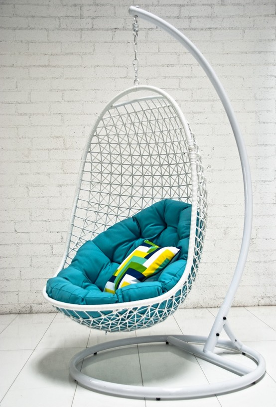 awesome-outdoor-hanging-chairs-9-554x817