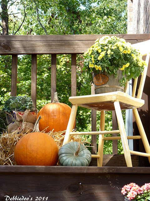 cozy-fall-patio-decor-ideas-22
