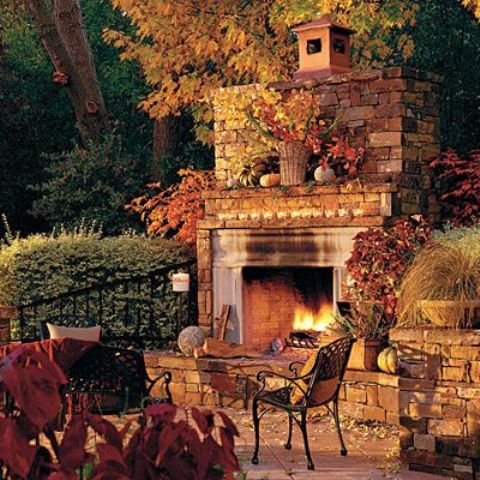 cozy-fall-patio-decor-ideas-32