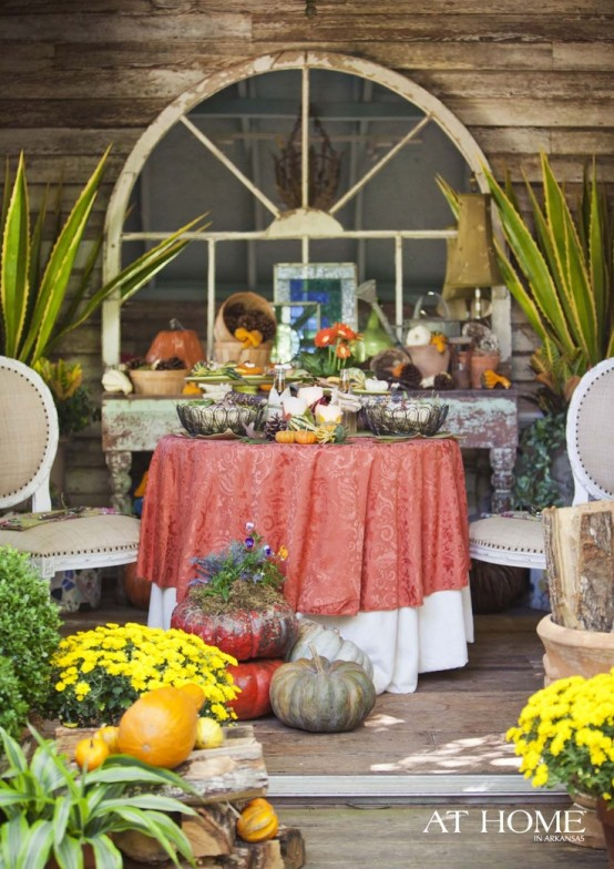 cozy-fall-patio-decor-ideas-37-554x784