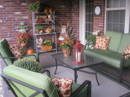 cozy-fall-patio-decor-ideas-4-554x415