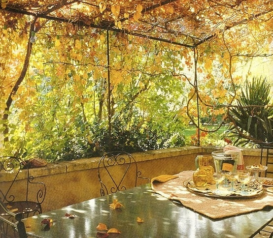 cozy-fall-patio-decor-ideas-7