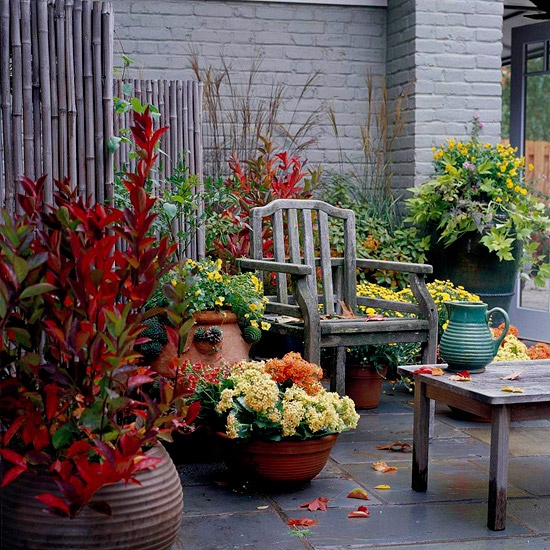 cozy-fall-patio-decor-ideas-8