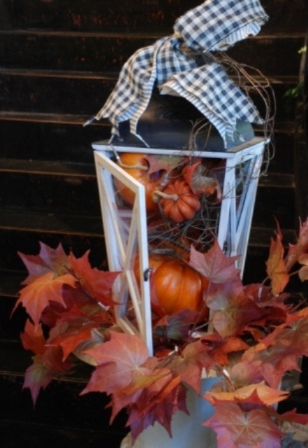 fall-lanterns-for-outdoor-and-indoor-decor-35