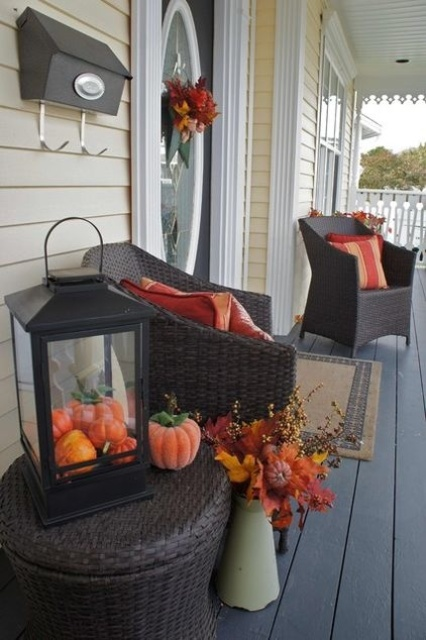 fall-lanterns-for-outdoor-and-indoor-decor-4