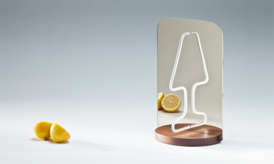 ingenious-moitie-table-lamp-playing-with-reflections-1-554x3