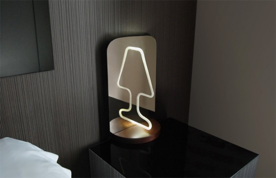 ingenious-moitie-table-lamp-playing-with-reflections-5-554x3