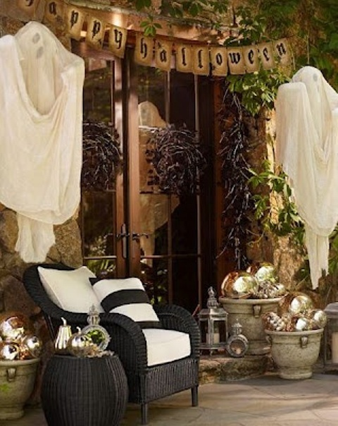 awesome-outdoor-halloween-party-ideas-11
