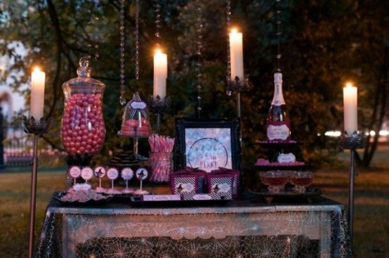 awesome-outdoor-halloween-party-ideas-14-554x367