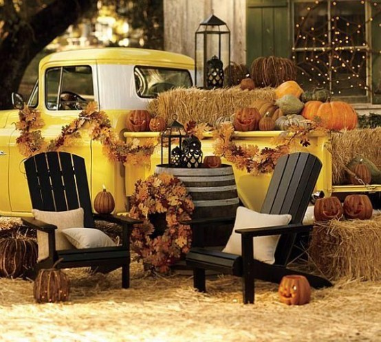 awesome-outdoor-halloween-party-ideas-20-554x498