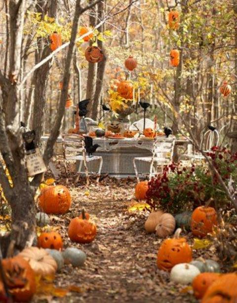 awesome-outdoor-halloween-party-ideas-21