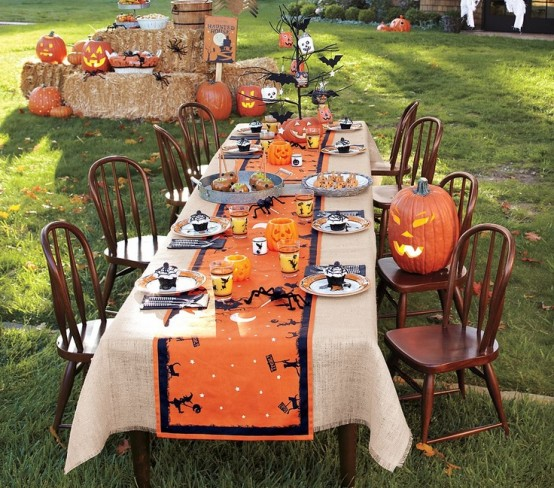 awesome-outdoor-halloween-party-ideas-8-554x488